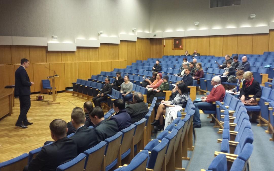 Aizvadīts seminārs par daudzdzīvokļu ēku atjaunošanu Daugavpilī